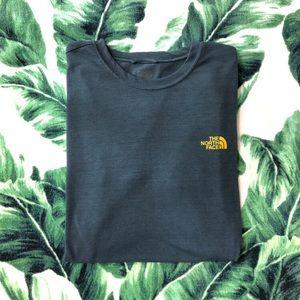 The North Face Vapor Wick shirt - Yellow Logo